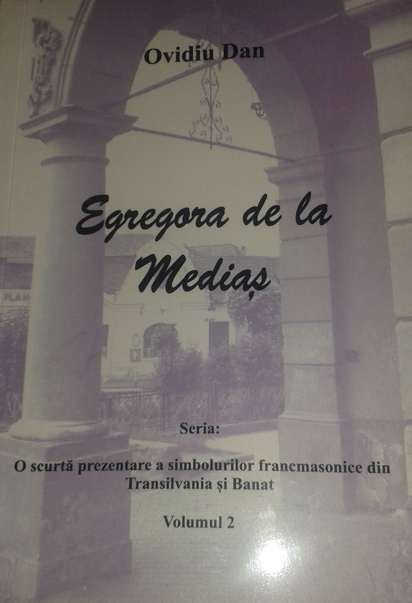 https://ovidiudan.files.wordpress.com/2014/06/egregora-de-la-medias.jpg